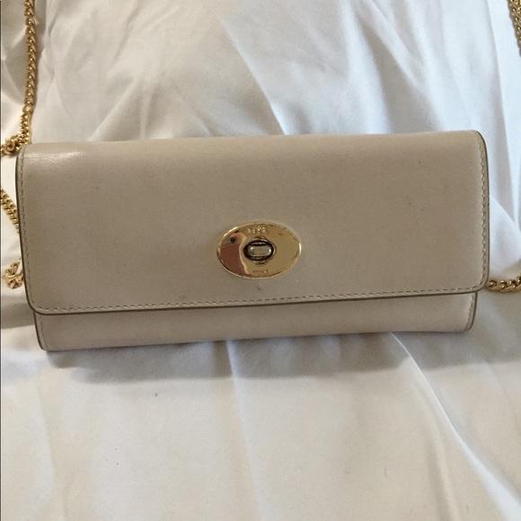 Coach Handbags - Coach wallet/clutch